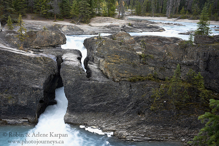 Natural Bridge, Kicking Horse River
