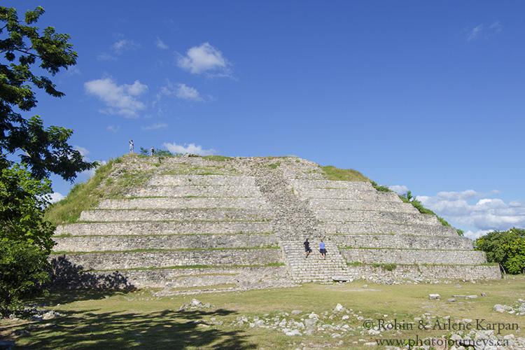 Pyramid of Kinich Kakmo, Izamal