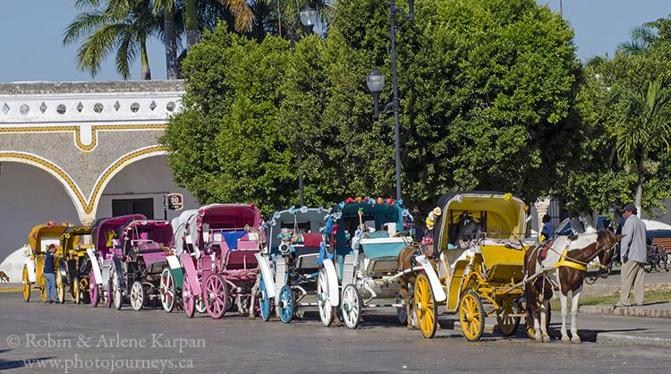 Horse-drawn carriages, Izamal