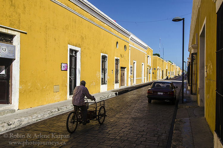 Yellow houses, Izamal