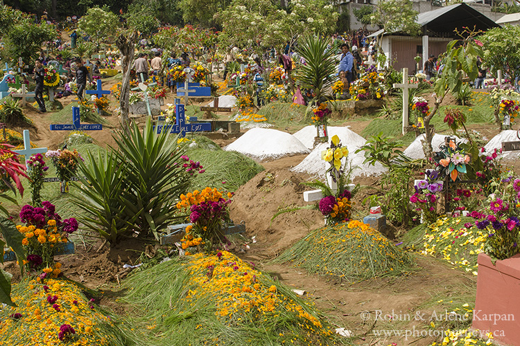 Sprucing up graves on November 1, Sumpango, Guatemala