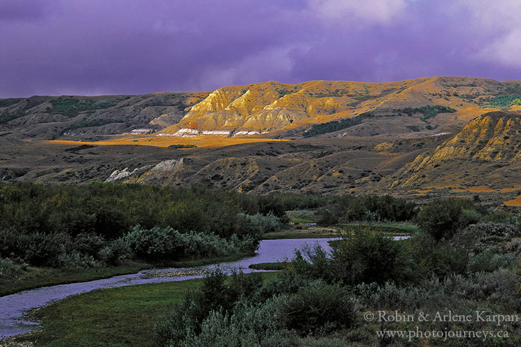 The Frenchman River Valley between Eastend and Ravenscrag, SK