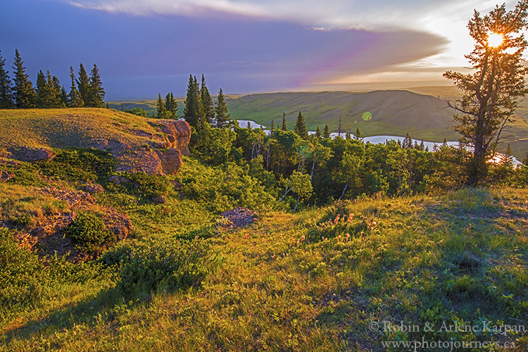 sunrise, conglomerate cliffs Cypress Hills